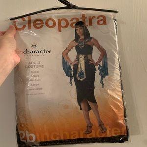 Incharacter Cleopatra Halloween costume